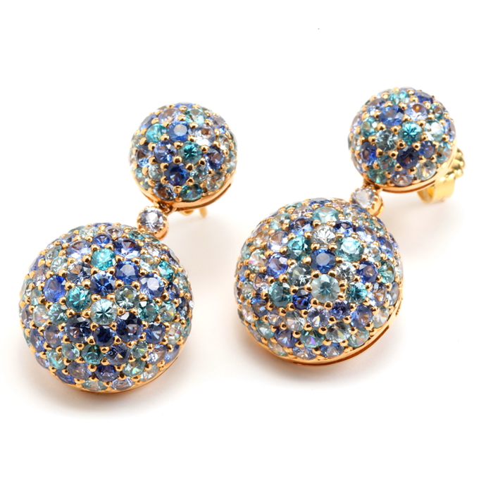 Studded blue hues earrings