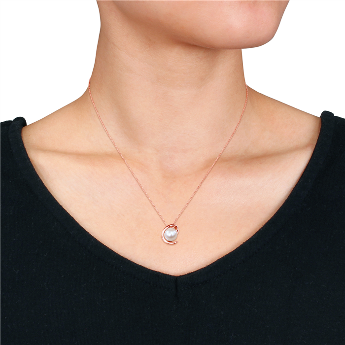 Pearl Fashion pendant with Chain
